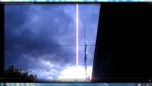 TheGiantWhiteLine.Suncloudy(C)NjRout7.13pm15thDec2013-005-AntennaeOperatinginSunsCable