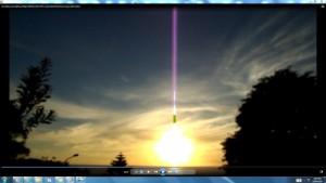 BondiBeach(C)NjRout3.46pm24thNov2013 075 Sun&Cable.MotorRunningoverBondiSea.