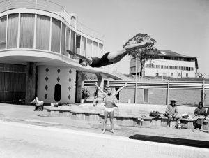 stevewaringbrisbanecentenarypool-1962